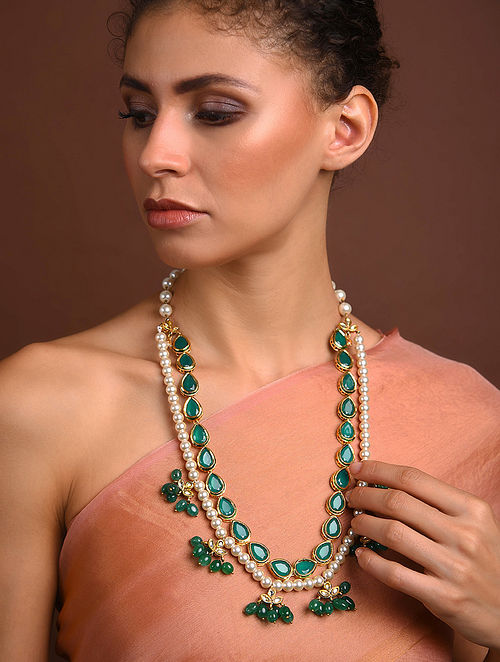 Green White Gold Tone Beaded Necklace