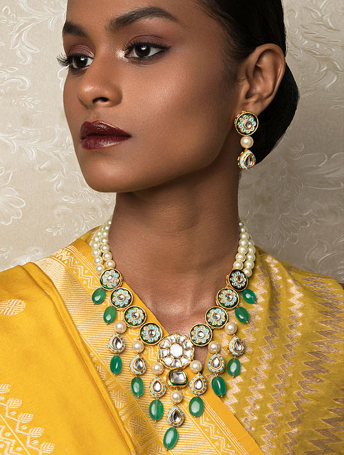 Green Gold Tone Kundan Necklace And Earrings With Quartz And Pearls