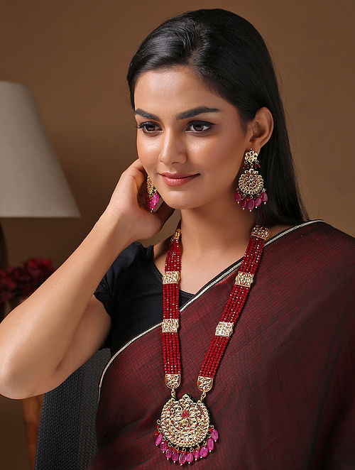 Maroon Gold Tone Enameled Kundan Necklace With Earrings