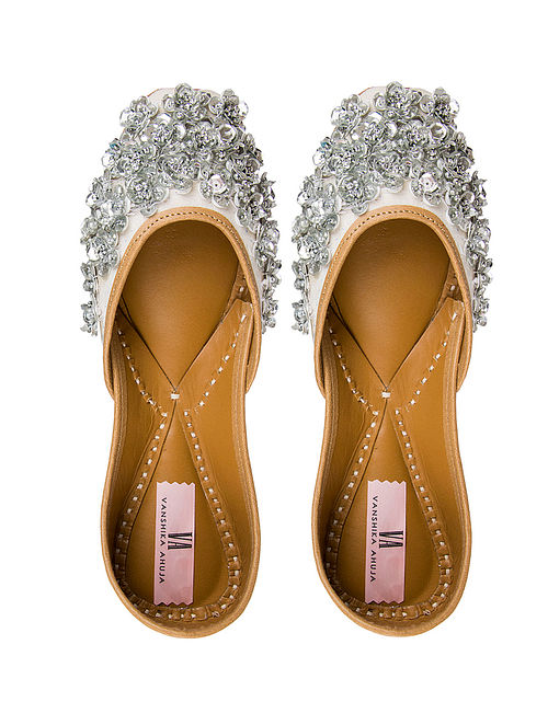 Silver Handcrafted Sequined Genuine Leather Juttis