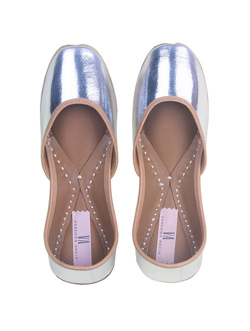 Silver Handcrafted Genuine Leather Juttis