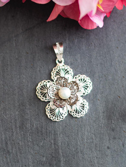 Filigree Silver Pendant with Pearl