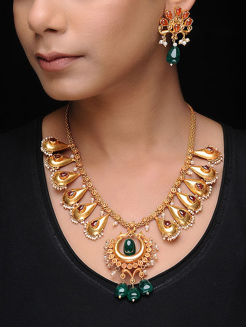 Green-Yellow Gold Tone Copper Necklace with a Pair of Earrings (Set of 2)