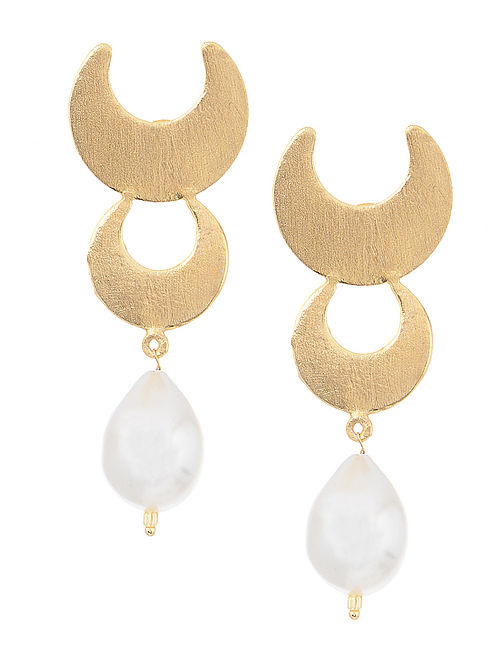 Gold Tone Earrings with Pearl