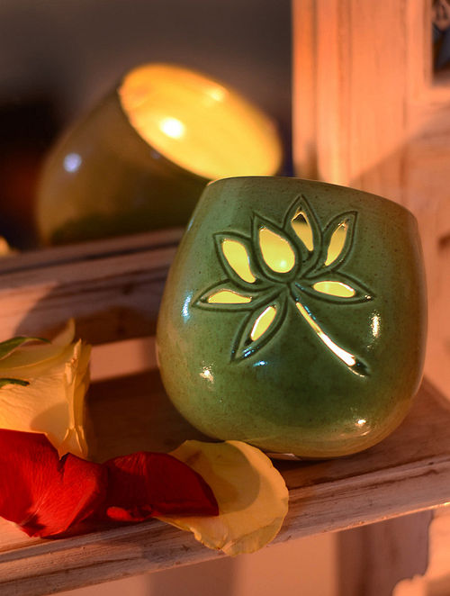Lotus Cut Tea Light Holder 3.5in x 3.5in x 3.5in