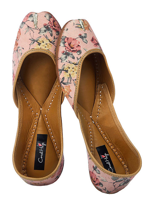 Peach-Grey Floral Printed Silk and Leather Juttis