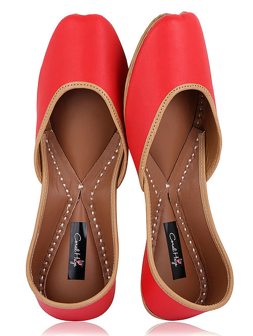 Red Handcrafted Leather Juttis