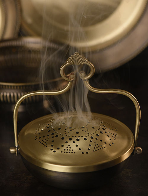 Sundaram Udaipuri Handcrafted Brass Fumer (L:8in, W:8in, H:6in)