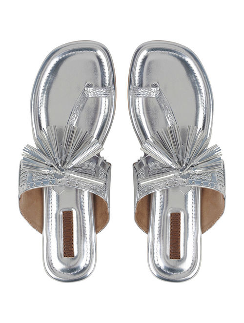 Silver Handcrafted Kolhapuri Flats With Tassels