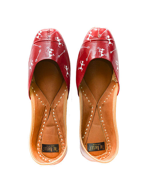 Red-White Handpainted Leather Juttis