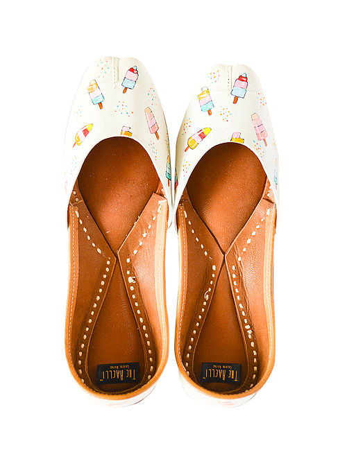 White-Multicolor Handpainted Leather Juttis