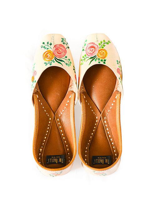 Peach-Multicolored Handpainted Leather Juttis