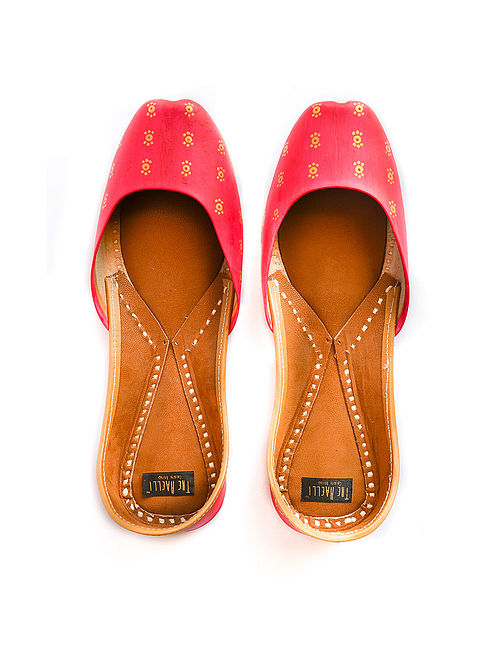 Red Handpainted Leather Juttis