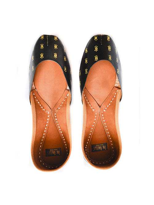 Black Handpainted Leather Juttis