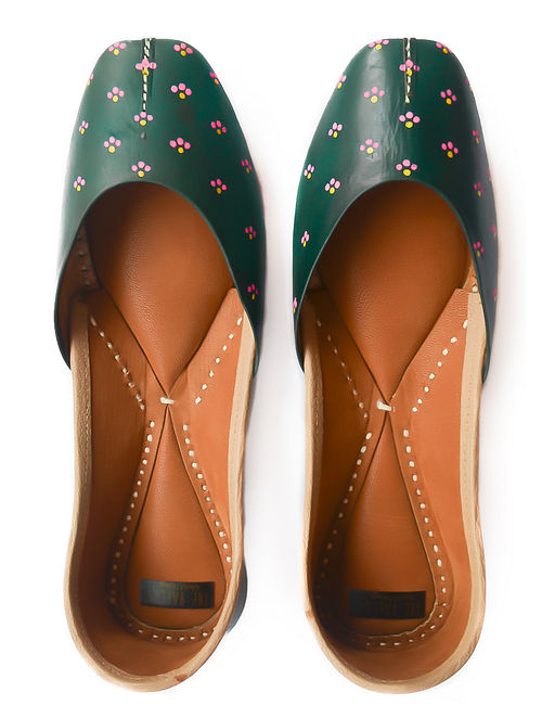 Green Pink Handpainted Leather Juttis