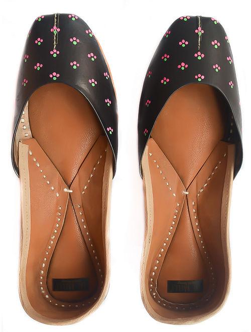 Black Pink Handpainted Leather Juttis