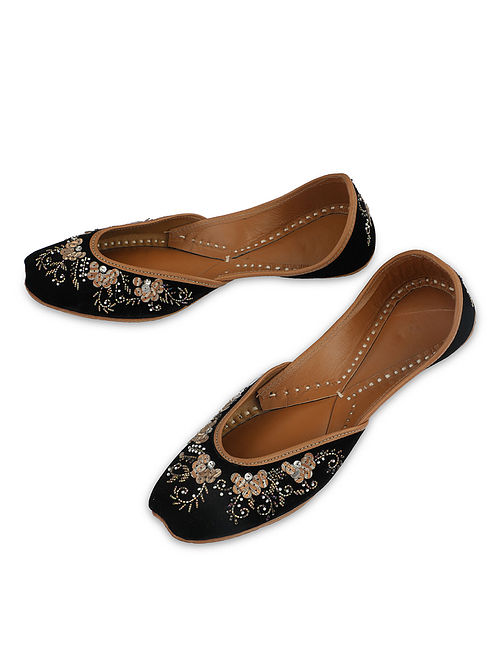 Black Gold Handcrafted Faux Leather Juttis