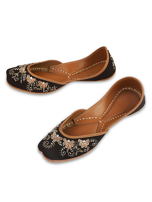Brown Handcrafted Faux Leather Juttis