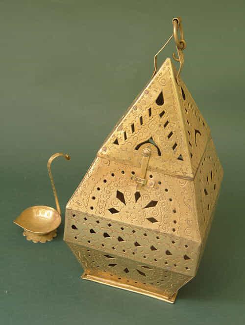 Handcrafted Brass Hanging Lamp (L:13.5cm, W:13.5cm, H:28.5cm)