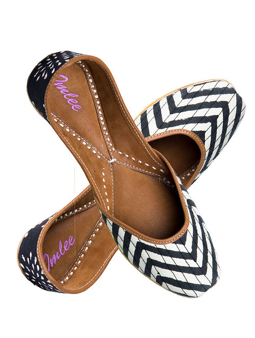 Black-White Chevron Block-Printed Cotton and Leather Jutti