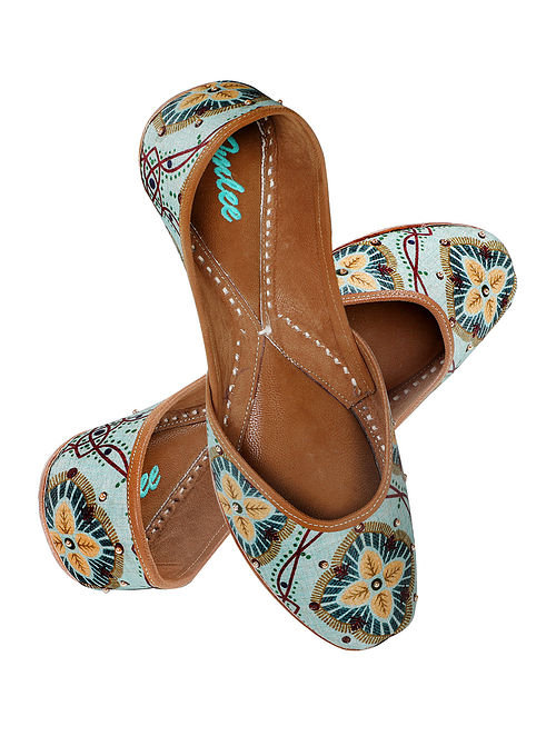 Multicolored Printed Silk and Leather Juttis