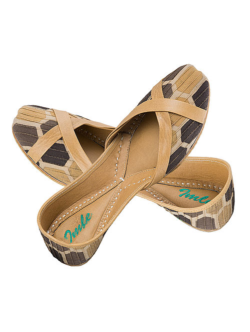 Brown-Ochre Block-Printed Cotton and Leather Juttis