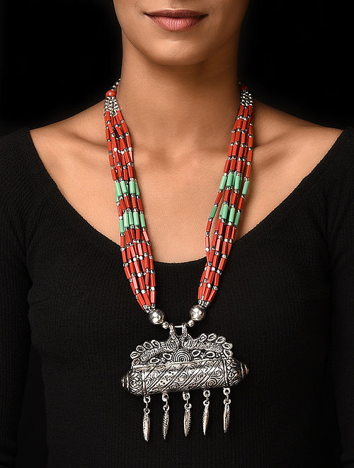 Red Blue Silver Tone Handcrafted Beaded Necklace