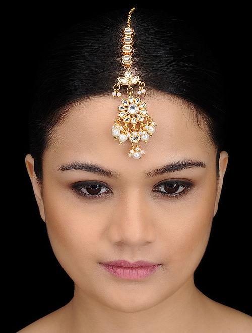 Kundan-inspired Gold Tone Maang Tikka with Floral Motif
