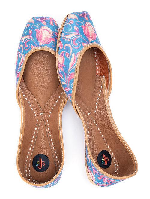 Blue Pink Printed Leather Juttis