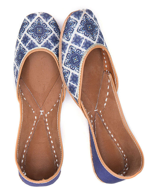 Blue White Handcrafted Printed Leather Juttis
