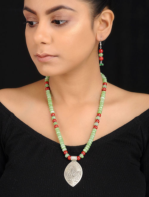 Green-Red Beaded Tribal Silver Necklace with a Pair of Earrings (Set of 2)