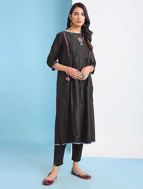 NAMANGAN - Black Silk Cotton Kurta with Embroidery