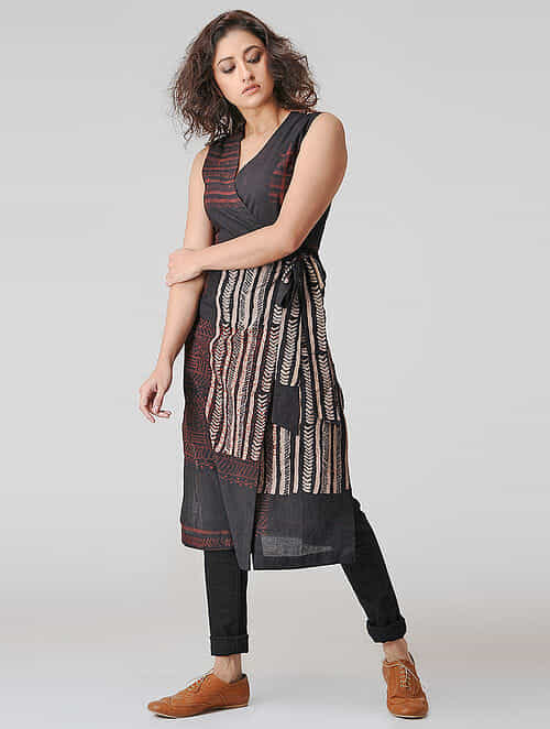 Black-Madder Natural-dyed Ajrakh Cotton Kurta with Tie-up