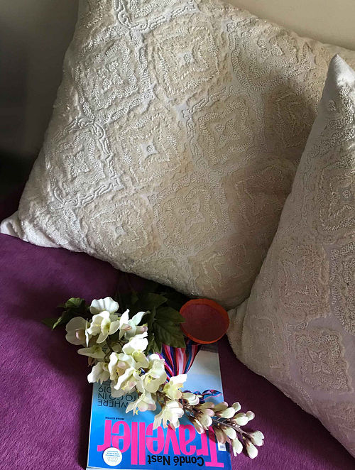 Pristine Luxe White Hand Crafted Embroidered Silk Cushion Cover (20in x 20in)