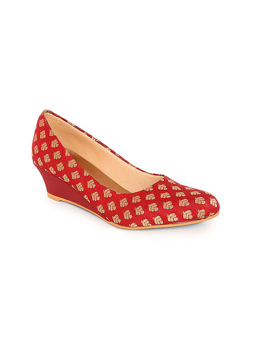 Red-Gold Handcrafted Silk Wedges