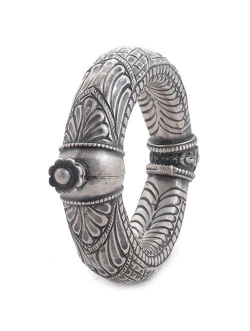 Hinged Opening Tribal Silver Bangle (Bangle Size 2/4)