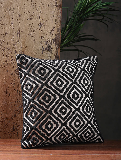 Ivory-Black Cotton Jacquard Cushion Cover (L:15.5in x W:15.5in)