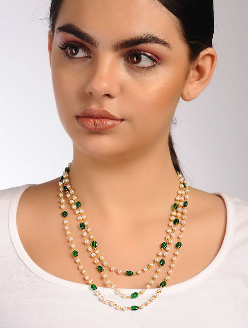 Green White Onyx and Pearl Beaded Necklace