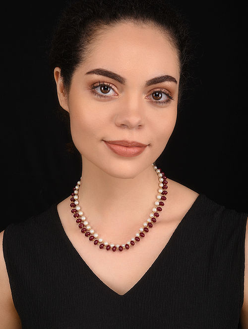 Maroon Gold Tone Pearl Beaded Necklace