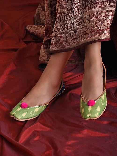 Green Handcrafted Printed Juttis