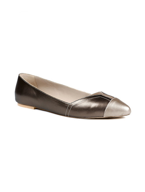 Silver Handcrafted Pearlized Genuine Leather Shoes