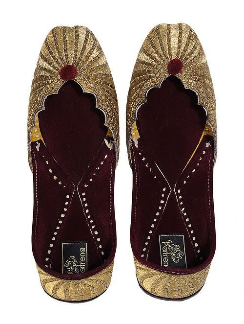 Gplden Zari Embroidered Velvet-Lined Leather Juttis with Pom Poms