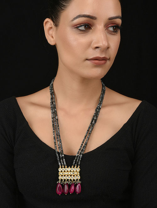 Grey Red Gold Tone Kundan Necklace