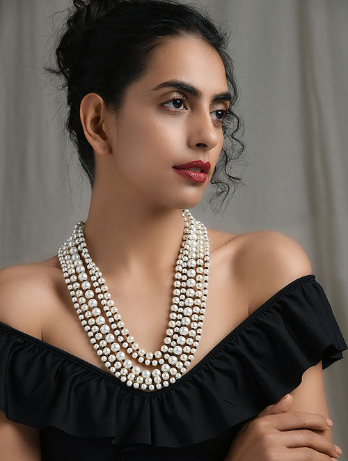 Black White Pearl Beaded Necklace