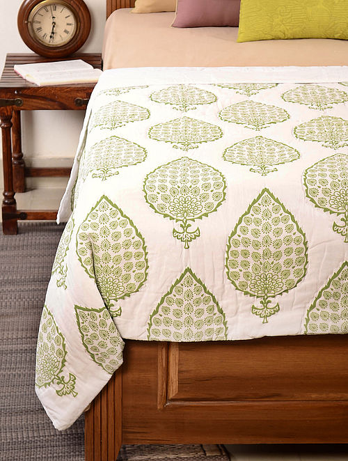 Leaf-Floral White-Green Quilt 102in x 92in