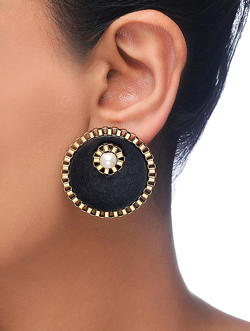 Black Gold Tone Wood Earrings with Pearl