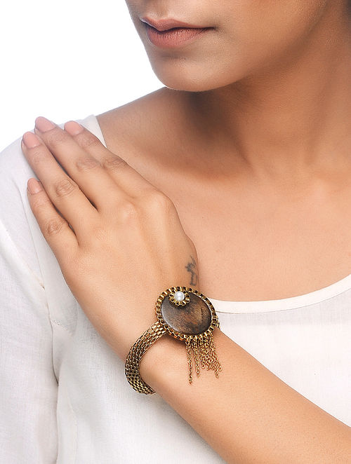 Brown Gold Tone Wood Bracelet with Pearl