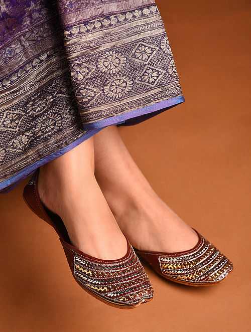 Dark Brown Handcrafted Tilla Inspired Leather Juttis