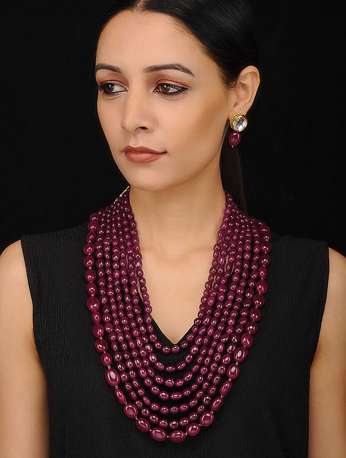 Maroon Gold Tone Beaded Necklace with Kundan Earrings (Set of 2)