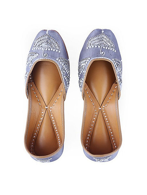 Grey Hand-Embroidered Leather Juttis with Embellishments